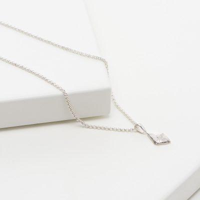 lovia_kaarna_necklace_silver_flat