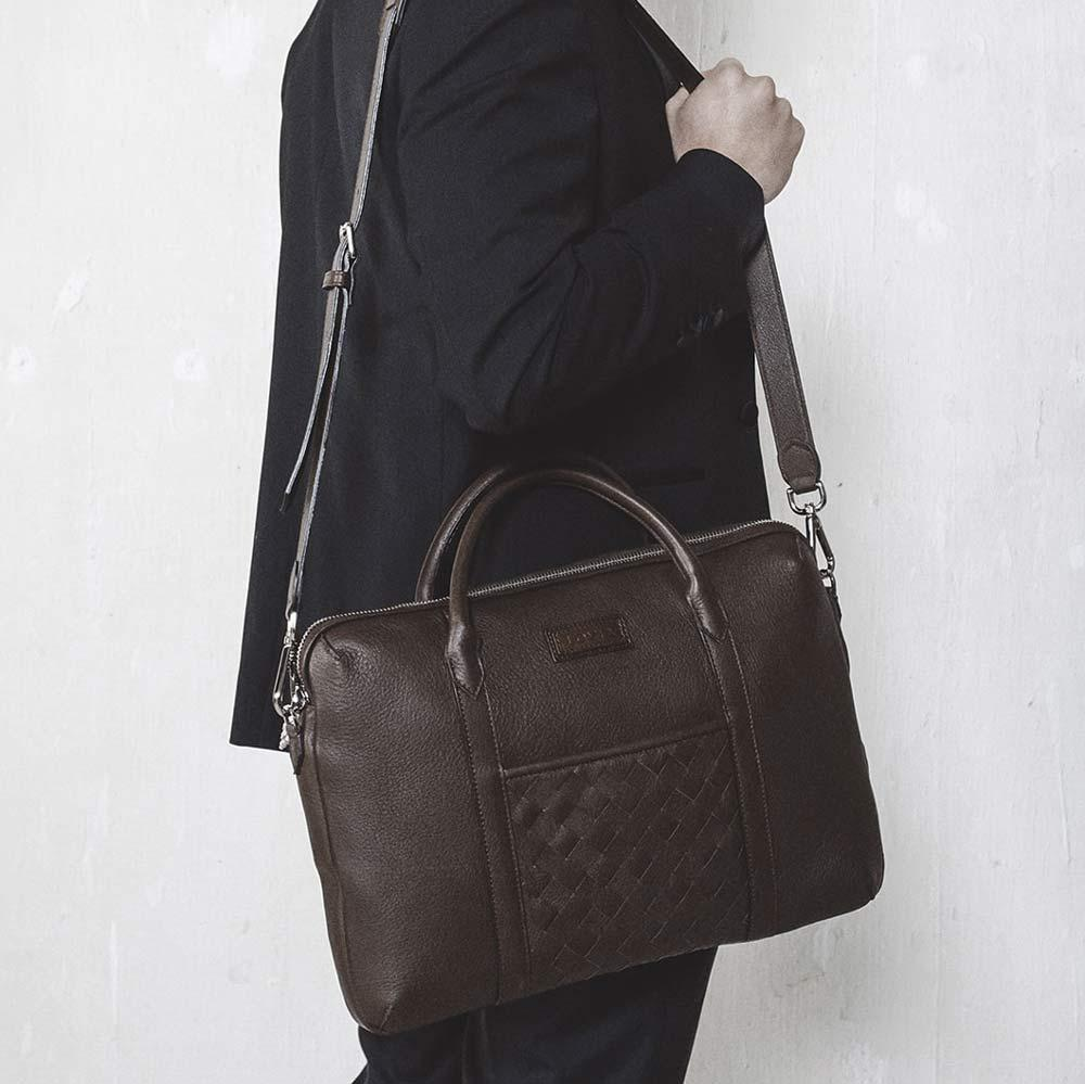 men's sustainable luxury briefcase made of elk leather