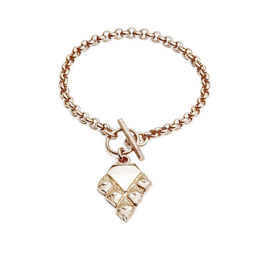 Sustainable jewellery hanging bracelet rose gold