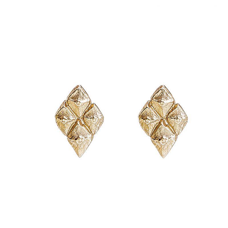 Sustainable jewellery small golden earrings