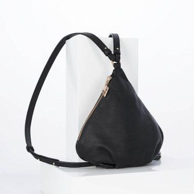 lovia_kapy_black_backpack_strap_rg