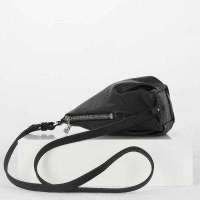 lovia_kapy_black_bodybag_strap