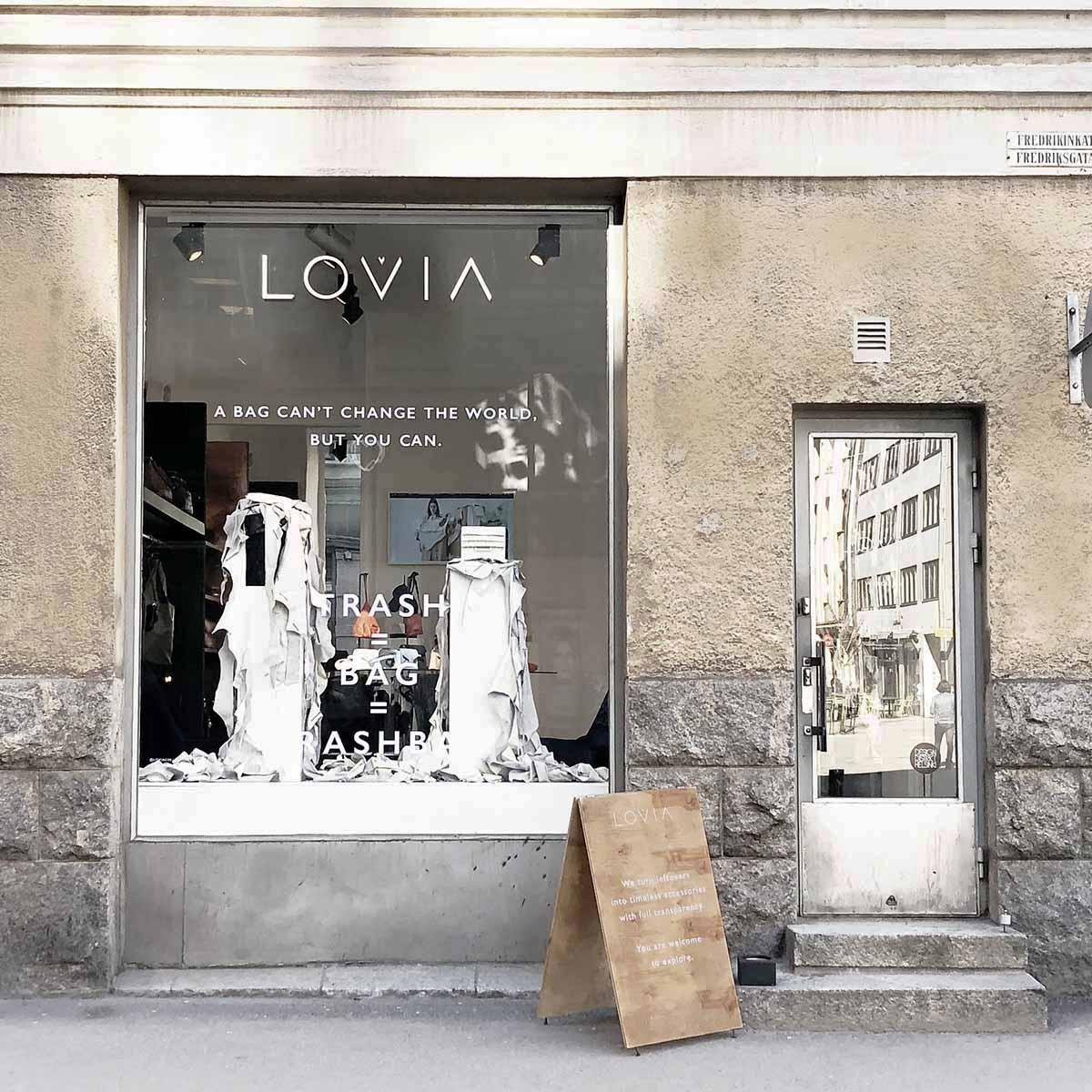 lovia_showroom_outside