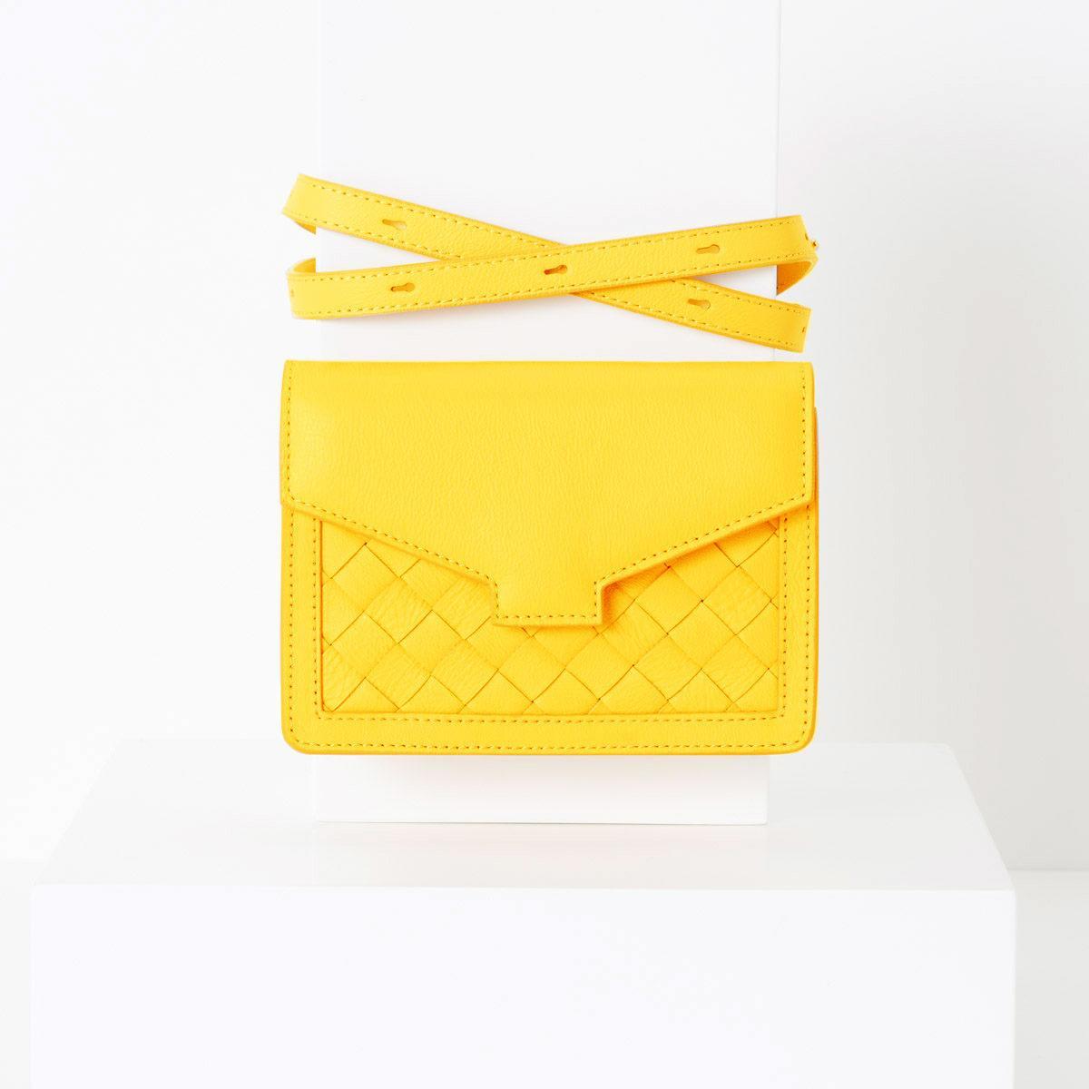 lovia_hilla_yellow_front